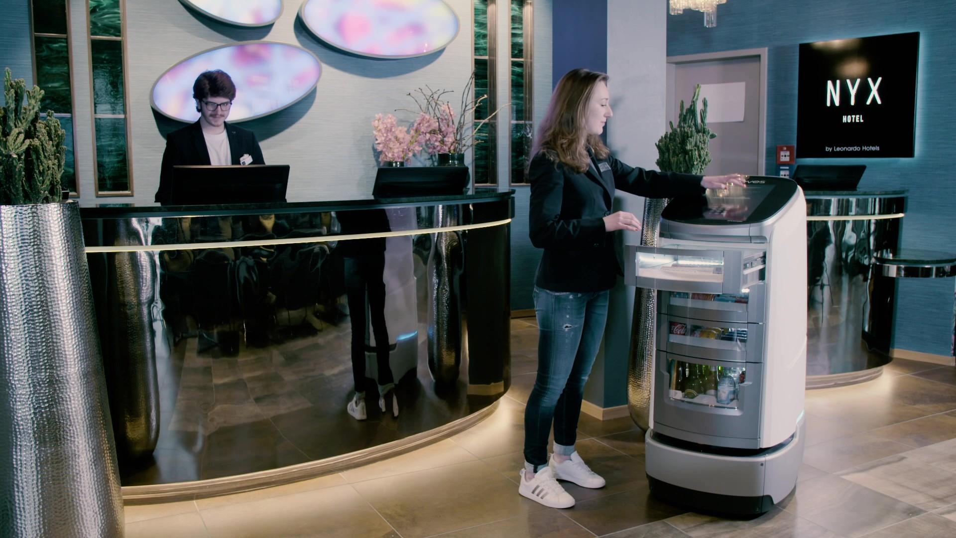 Roboter Jeeves Leonardo Hotels
