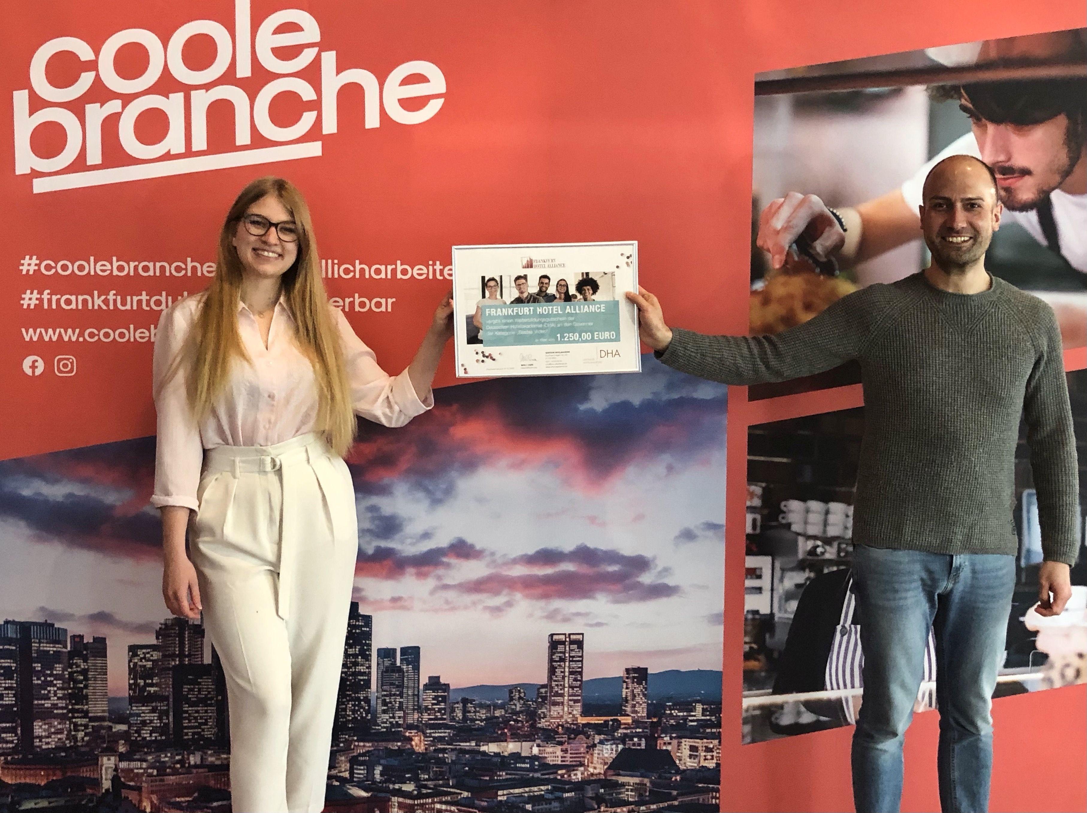 Laura Stavinovszky Leonardo Royal Frankfurt duales Studium Tourismuswirtschaft und Hotelmanagement
